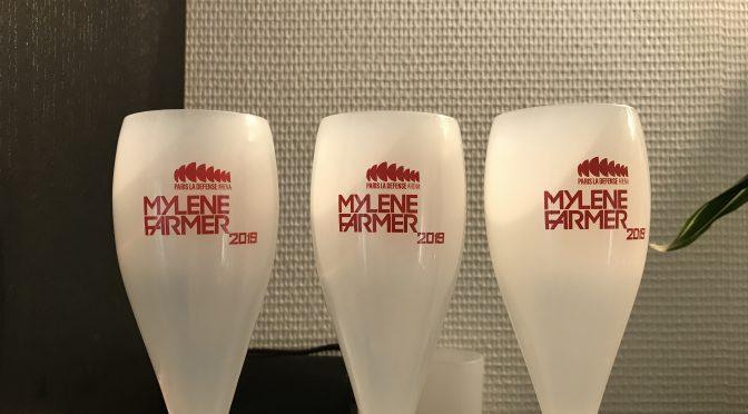Champagne glasses Mylene Farmer